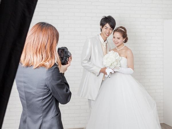 神戸市でウェディングドレス姿の写真を撮影するなら、フォトスタジオのある「Presto belle」
