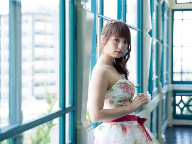 神戸市でウェディングドレスの貸出やネイルの相談が出来るサロン